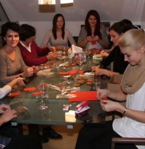 Haarwerk Bairhuber bäckt Kekse für Weihnachten 2014
